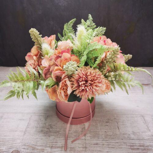rózsaszín virágbox